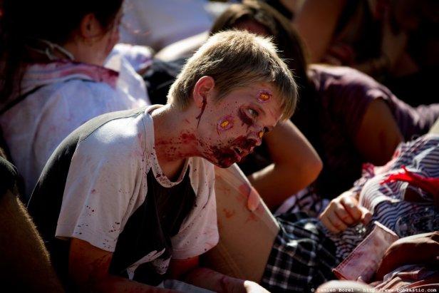 photos/zombiewalktoulon2011/zombiewalk2011.019.jpg