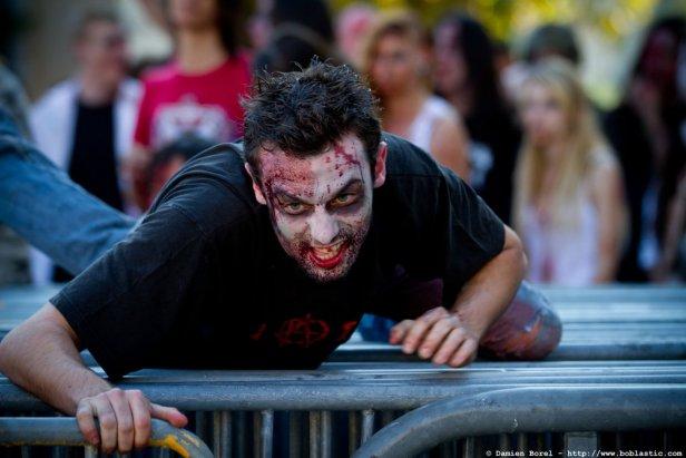 photos/zombiewalktoulon2011/zombiewalk2011.055.jpg